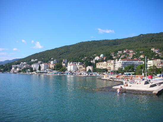 Hotel Opatija: view from near the statue
