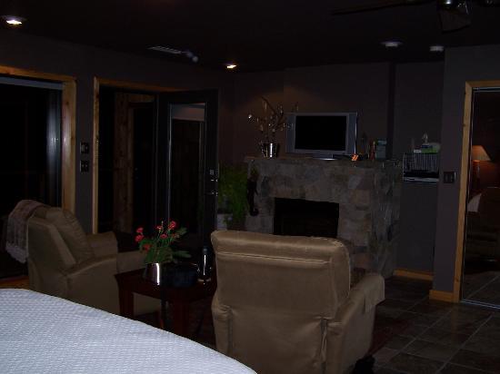 Beaver Lakefront Cabins: Beautiful Seating Area