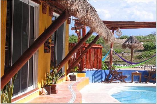 Villa La Bella: Bungalows at Villa Las Brisas on Isla Mujeres