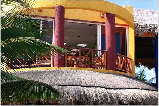Villa La Bella: Suite Balcony - shady sitting balcony