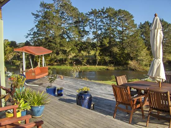 Appledore Lodge: main house deck