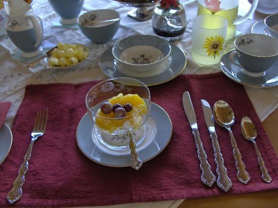 Appledore Lodge: bfast grapefruit from garden