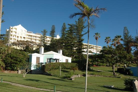 Elbow Beach, Bermuda: Main building & grounds
