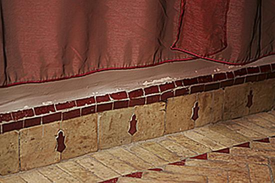 Dar Silsila : Voiles and Tiles