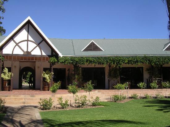 Hlangana Lodge: Outside area with verandah