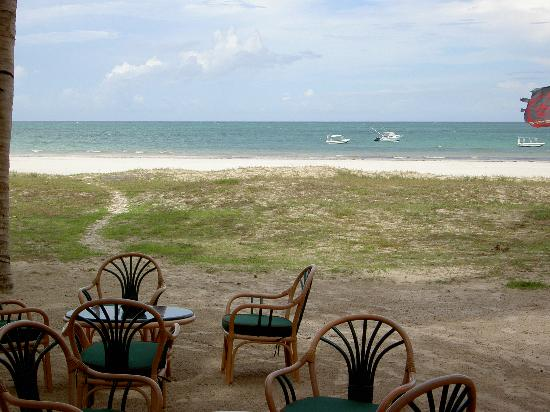 Pinewood Beach Resort & Spa: View from bar
