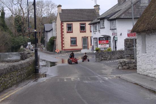 Michaeleen's Manor: Rush hour traffic in Cong