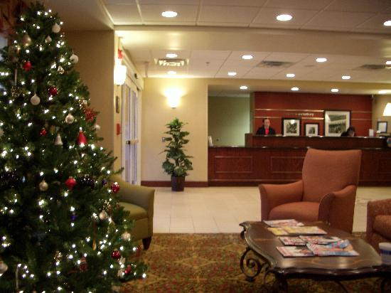 Hampton Inn Waterbury: Hampton Inn Lobby