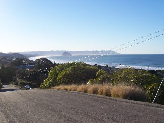 Cayucos Sunset Inn: View South Of Morro Bay From a Hilltop Road In Cayucos
