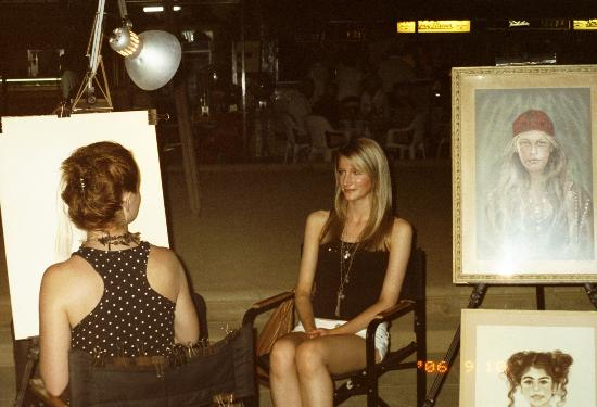 Torrox Costa Promenade: portraits good likeness & fair price - cheaper earlier on in the evening before a queue starts