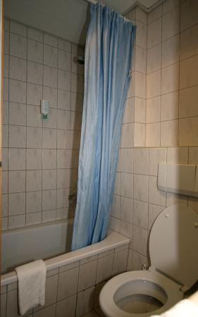 Atlantic Hotel Vegesack: The shower