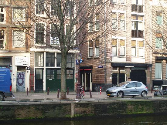 Friendzz B&B Amsterdam: View from the entrance to Friendzz B&B