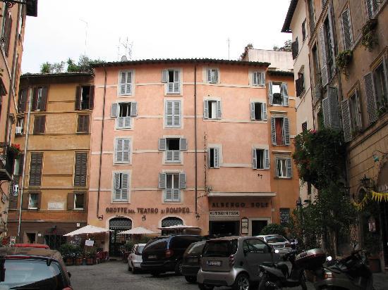 Albergo Del Sole Al Biscione: hotel front