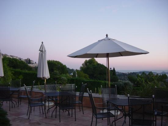 Villa St Maxime : Sunset on the Terrace
