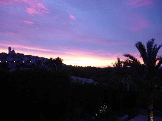 Villa St Maxime : Sunrise over St. Paul de Vence