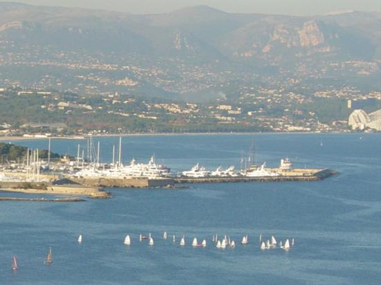 Villa St Maxime: View from lighthouse at Antibes