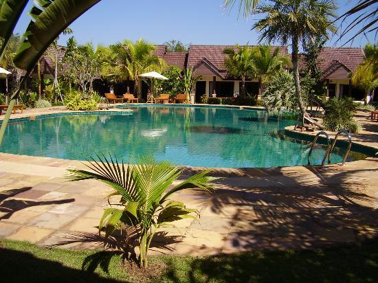 Laluna Hotel And Resort Photo