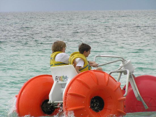 Beaches Negril Resort & Spa : the boys on the three wheeler