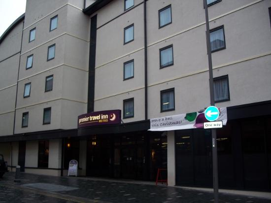 Premier Inn Liverpool City Centre (Moorfields) Hotel: Main entrance