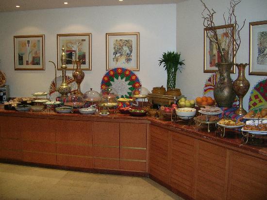 Lancaster Tamar Hotel: breakfast buffet