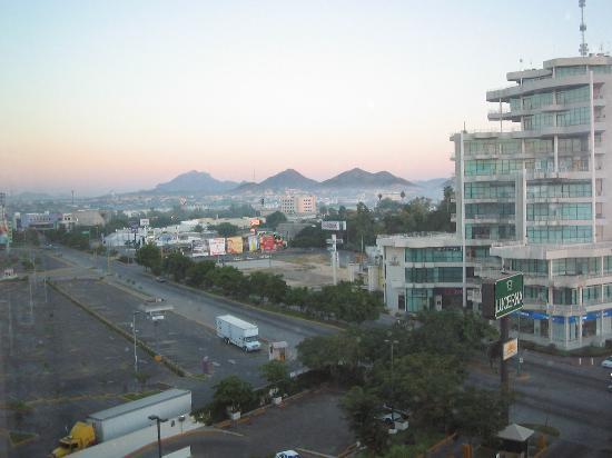 Hotel Lucerna Culiacan: Vista desde la habitación (piso 6)