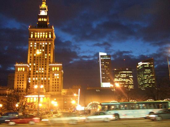 InterContinental Hotel Warsaw: Palace of Culture & Intercontinental Hotel