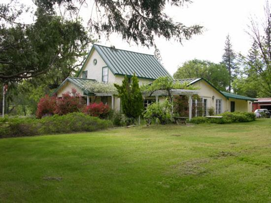 Meadow Creek Ranch Bed and Breakfast Inn: The main house