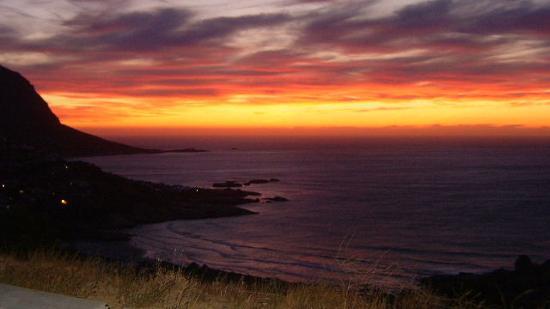 The Tarragon: sunset at lundudno beach (10 min away)