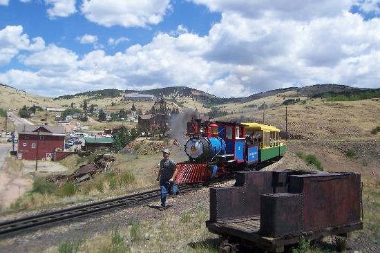 Cripple Creek & Victor Narrow Gauge Railroad: Switching Tracks