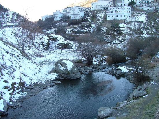 Trevélez, España: pic from bridge at bottom of Trevelez
