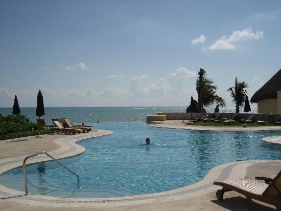 Fairmont Mayakoba : Infiniti Pool at the Beach