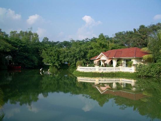 Mayfair Lagoon: villa en el lago