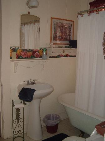 Springhill, LA: Bathroom