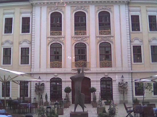 Hotel Taschenbergpalais Kempinski: Exterior