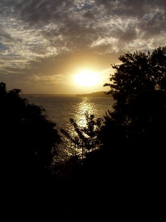 Rovanel's Resort: Sunset on Tobago