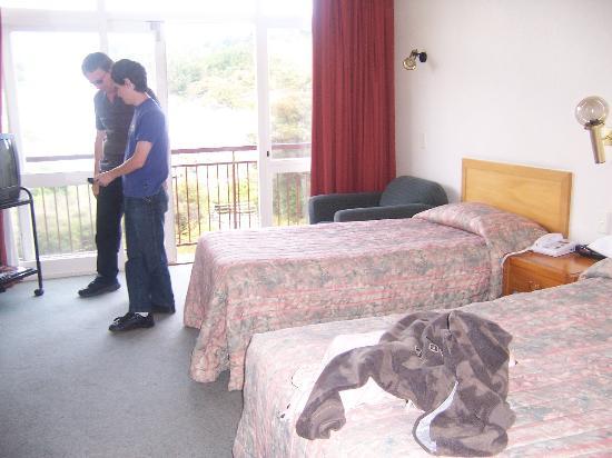 SilverOaks Hotel Geyserland: our room
