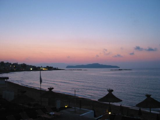 Ammos Hotel: The famous sunset