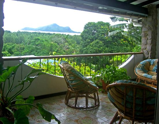 Calypha Guesthouse : Communal balcony off sitting room.