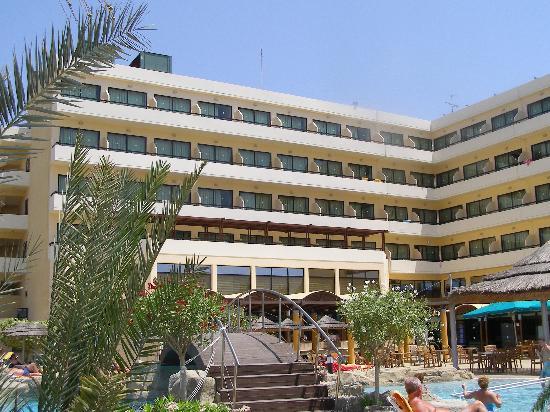 Tasia Maris Beach Hotel: The Hotel