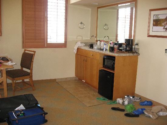 Embassy suites waikiki beach walk interior 2 bedroom - 2 bedroom suites in waikiki beach ...
