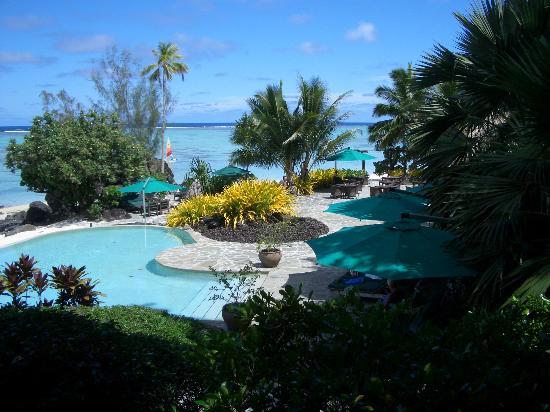 Pacific Resort Aitutaki: Pool area