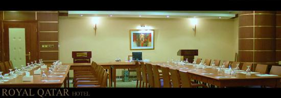 Royal Qatar Hotel: Elegant view of the Conference Room