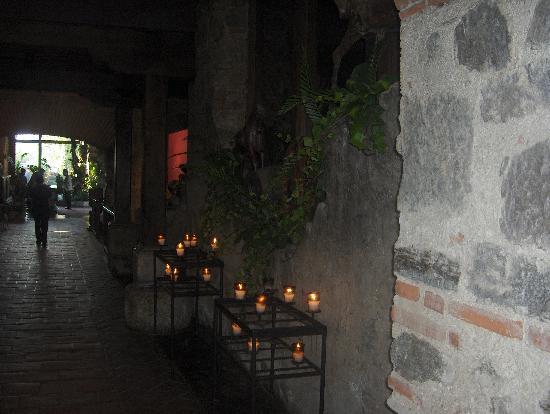 Hotel Museo Spa Casa Santo Domingo : lighted corridor