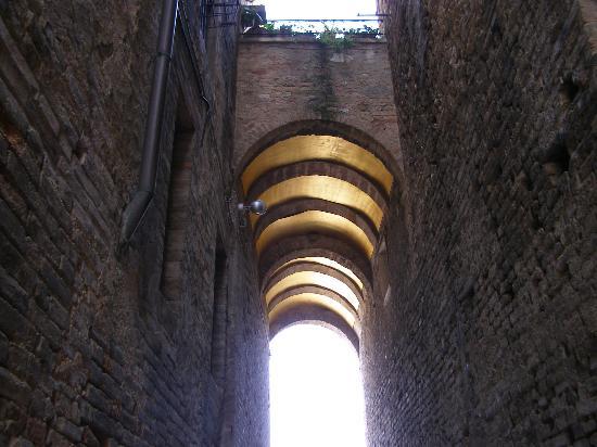 San Gimignano, Italien: Arco d'Oro, the