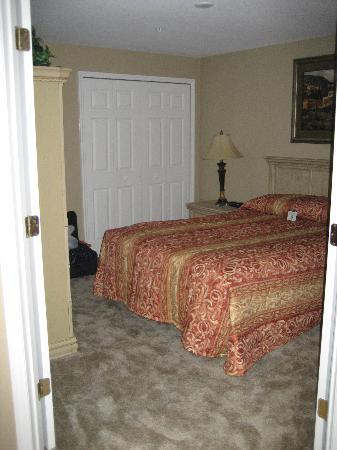WorldQuest Orlando Resort: queen room