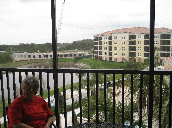 WorldQuest Orlando Resort: screened in porch/ const work