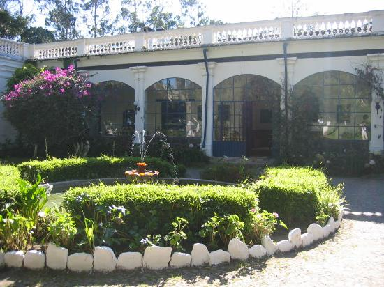 Hacienda Pinsaqui: entrance to the Hacienda
