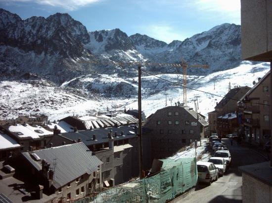 View of piste from Sandy IV