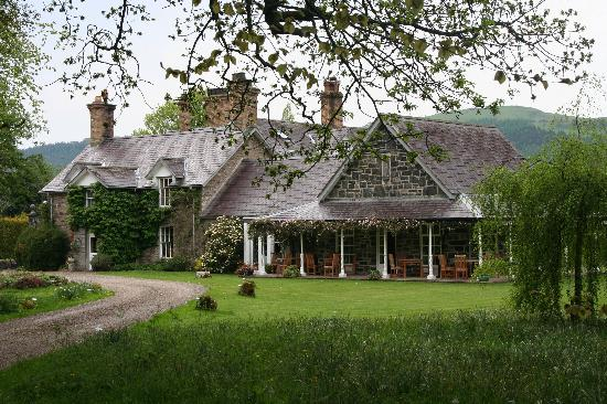 Llandrillo, UK: Tyddyn Llan in May