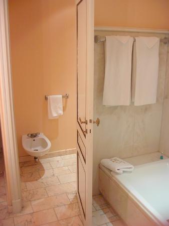 Hotel d'Europe: Bathroom